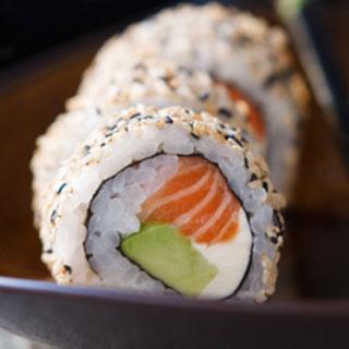 TOKYO Kanikama, salmón, y veggie!