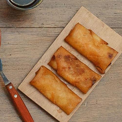 3 Empanaditas chinas de carne + Salsa Jack